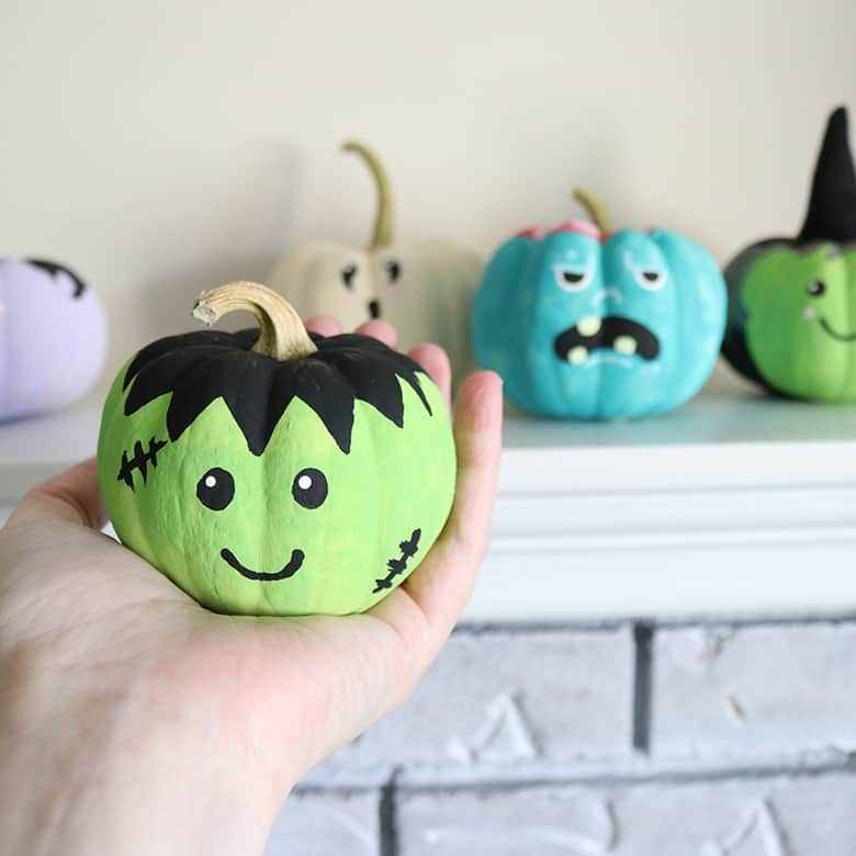 painted-pumpkins-tutorial-Halloweenjpg