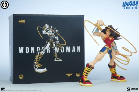 Wonder Woman Unruly Sideshow Figure