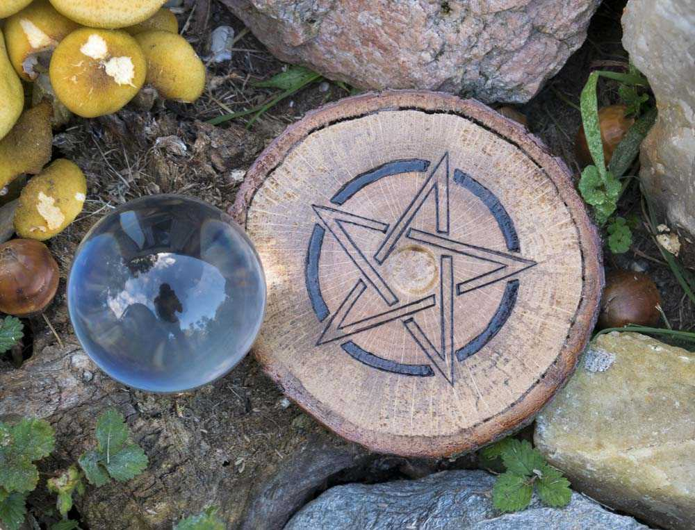 Pentacle Crystal Ball Holder